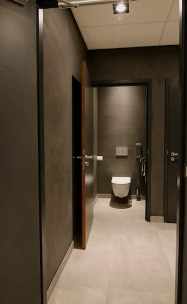 stucstunter beton cire toilet